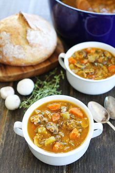 Low Unwanted Fat Cooking For Weightloss Mushroom Quinoa Soup Recipe On This Healthy And Hearty Soup Is Perfect For A Chilly Day It Freezes Beautifully Too Healthy Fall Soups, Vegan Soups, Healthy Snacks, Healthy Eating, Soup Recipes, Whole Food Recipes, Vegetarian Recipes, Cooking Recipes, Healthy Recipes