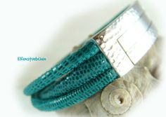 Ledearmband Damen türkis petrol silber Nappa von elfenstuebchen / Women's leather bracelet nappa turquoise petrol - foldover clasp stainless steel (hammered)