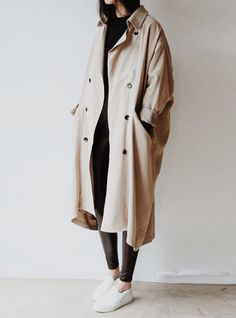 oversized trench coat | @stylebyingrid