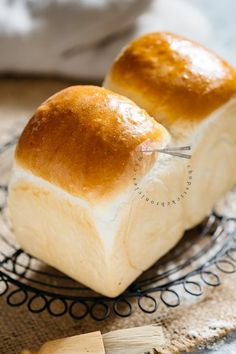 """Shokupan is Japanese Milk Bread and has a fluffy and """"Mochi"""" like texture. This is the best Shokupan recipe for Japanese food lovers and bakers. Discover how to make Super soft Japanese milk bread with the """"Yudane"""" method. This method guarantees soft texture and stays moist for longer than ordinary bread. #Shokupan #Japanesemilkbread #bread #Japanesebread #yudane Japanese Milk Bread, Japanese Food, Japanese Culture, Shokupan Recipe, Supper Recipes, Supper Meals, Milk Bread Recipe, White Bread, How To Make Bread"""