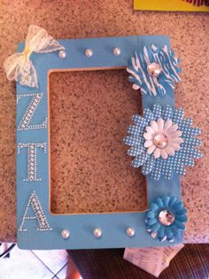 #zta DIY sorority craft. Super easy and inexpensive! And super cute and customizable, form Greek letters to monograms. A great meaningful gift and a super cute dorm ro decoration!