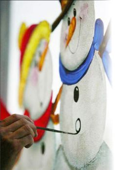 Window painting tips Free e-book of snowman window painting ideas, Snowmen Frosty Friends Craft Tole Painting, Painting Tips, Christmas Projects, Holiday Crafts, Christmas Patterns, Christmas Deco, Christmas Paintings, Snowman Crafts, Window Art