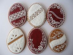 Gingerbread cookies with Hungarian egg motifs No Egg Cookies, Galletas Cookies, Fancy Cookies, Iced Cookies, Cute Cookies, Easter Cookies, Holiday Cookies, Sugar Cookies, Heart Cookies