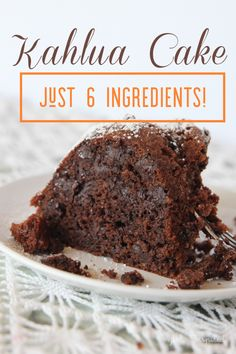 Make this rich and gooey Kahlua Cake with just 6 pantry ingredients! Informations About Kahlua Cake Pin You can easily use my prof Kahlua Cake, Rum Cake, Köstliche Desserts, Chocolate Desserts, Delicious Desserts, Chocolate Cake Mix Recipes, German Desserts, Food Deserts, Gourmet