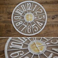 Relógio de Metal Branco   A Loja do Gato Preto   #alojadogatopreto   #shoponline   referência 107864835