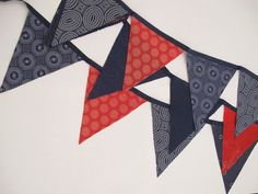 Ich will. - Fabric Crafts for Kids and Beginners Sewing To Sell, Fabric Bunting, 4th Of July Party, Christmas Items, African Fabric, Fabric Scraps, Diy Party, Printing On Fabric, Sewing Projects