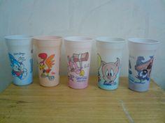 Vasos que cambiaban de color - Looney Tunes
