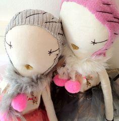 Pink Atsuyo et Akiko Dolls by Jess Brown
