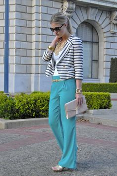 stripped blazer and bright pants! Cute Professional Outfits, Business Casual Outfits, Business Fashion, Chic Outfits, Business Style, Work Outfits, Blazer Outfits, Office Outfits, Turquoise Pants Outfit