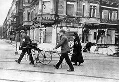 Willy Römer, Revolution : Berlin März 1919 Freiwillige Sanitäter in der Großen Frankfurter Straße,