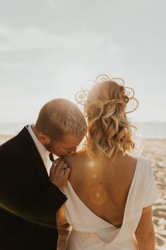 Mariage au Bassin d'Arcachon - Shooting d'inspiration • Sparkly Agency Articles, Couple Photos, Couples, Inspiration, Weddings, Couple Shots, Biblical Inspiration, Couple Photography, Couple