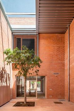 House 1014 by H Arquitectes | http://www.yellowtrace.com.au/house-1014-h-arquitectes-barcelona/
