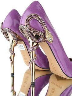 Purple snake pumps
