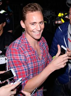 """The smile. Tom Hiddleston(Loki) on #ThorRagnarok #TomHiddleston"" https://www.instagram.com/p/BJiUuFEDhCV/"