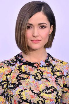 popular celebrity short haircuts 2016 2017 - style you 7 Celebrity Short Haircuts, Bob Haircuts For Women, Short Bob Haircuts, Long Bob Hairstyles, Short Hairstyles For Women, Indian Hairstyles, Headband Hairstyles, Classic Bob Haircut, Pageboy Haircut