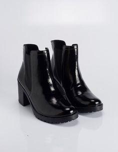 f6f1a73d03 21 Best Shoes!  3 images