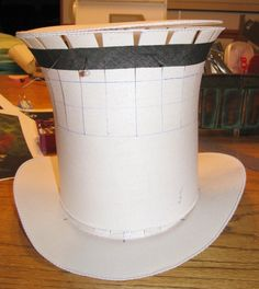 Steampunk diy 116460340333529664 - Make your own steampunk hat! Steampunk Hut, Costume Steampunk, Steampunk Fashion, Steampunk Top Hat, Victorian Fashion, Gothic Fashion, Fashion Fashion, Mad Hatter Hats, Mad Hatter Tea