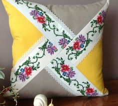 Diy Pillow Covers, Diy Pillows, Decorative Pillows, Throw Pillows, Patchwork Cushion, Quilted Pillow, Quilt Patterns Free, Baby Knitting Patterns, Bohemian Crafts