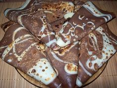 Chocolate pancakes with milk INGREDIENTS: - Sugar - 2 tbsp. - 3 glasses of milk- - Flour - 300 g - Cocoa - 2 tbsp. Chocolate Pancakes, Pancakes And Waffles, Milk Ingredients, Crepe Cake, Party Platters, My Best Recipe, Russian Recipes, Quesadilla, Food Photo