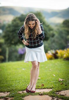 Look da Lu, do blog Chata de Galocha: Blusa de malha + mini saia + sapatilha. Perfeito para usar em uma tarde para passear no parque.