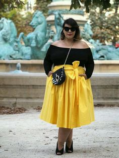 plus size date night dress... black top yellow skirt! Too cute!