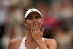 Maria Sharapova blows a kiss to the crowd - Jon Buckle/AELTC