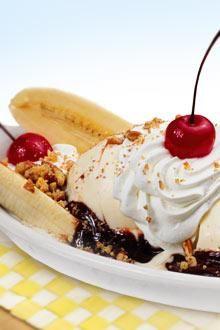 best Chiquita Banana Split Recipe // #Banana #bananasplit #recipe