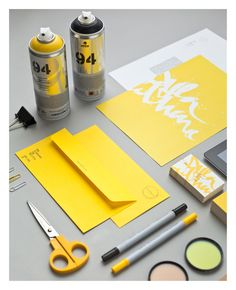 identidade corporativa - lettering spray amarelo