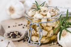 Olives, Cookies Et Biscuits, Bruschetta, Camembert Cheese, Potato Salad, Garlic, Potatoes, Baking, Vegetables