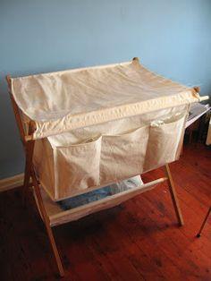 cheapo hippo & yabbing yabbie: DIY folding bassinet with changing table top Changing Table Top, Changing Station, Diy Crib, Baby Momma, Laundry Hamper, Baby Registry, Diy Table, Bassinet, Bedrooms