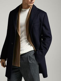 Fall Winter 2017 Men´s NAVY BLUE CASHMERE/WOOL COAT at Massimo Dutti for 229. Effortless elegance!