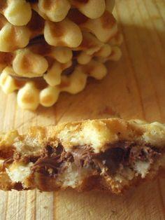 Cristina's world: Faguri cu crema de ciocolata Food Cakes, Cheesesteak, Cake Recipes, Cooking Recipes, Sweets, Chicken, Ethnic Recipes, Projects, Cakes