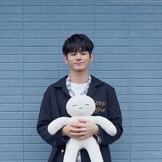 Ong Seung Woo, Oh My Heart, Boy Idols, Lai Guanlin, Pose, Kim Jaehwan, Ha Sungwoon, Cha Eun Woo, Kpop Guys