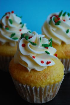 Eggnog Cupcakes with Eggnog & Rum Buttercream Frosting – The Domestic Rebel