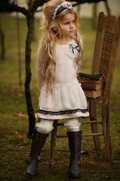 LOVE this desinger of clothes for little girls!  Dollcake Clothing - French Vintage Dress