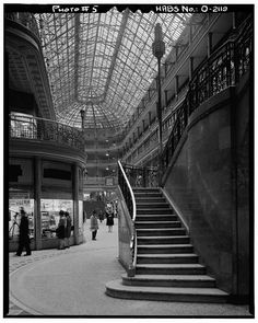 5.  Historic American Buildings Survey, Martin Linsey, Photographer March 7, 1966  INTERIOR STAIRWAY DETAIL, LOOKING SOUTH. - Cleveland Arcade, 401 Euclid Avenue, Cleveland, Cuyahoga County, OH