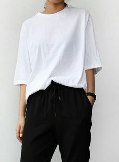 The perfect white tee | Wardrobe essentials | Plain tshirt | Basics