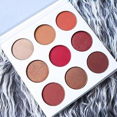 Only things I like from  Kylie's products is anything red/burgundy. I am in LOVE with her Leo lip kit and now this palette.