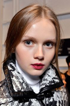 Tendencias maquillaje otono invierno 2013 labios burgundy - Rachel Zoe.