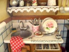 Cuadro Cocina con miniaturas tamaño grande. 50x40x10cm de profundidad. Detalles Hecho por encargo. http://cruzatartesaniacolor.blogspot.com/