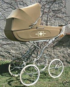 Old Cribs, Vintage Pram, Prams And Pushchairs, Baby Carriage, Kids And Parenting, Baby Shop, Baby Strollers, My Favorite Things, Children