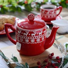 Brighten your table with this Red and White Deer Teapot. Its pattern looks like a winter sweater and it matches all of our Red and White Deer dinnerware. Christmas Tablescapes, Christmas Decorations, Café Chocolate, Afternoon Tea Parties, Christmas Mood, Yule, Tea Time, Red And White, Dear White