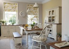 Find sophisticated detail in every Laura Ashley collection - home furnishings, children's room decor, and women, girls & men's fashion. Kitchen Wallpaper Laura Ashley, Laura Ashley Kitchen, Estilo Country, Shabby, Home And Deco, Mellow Yellow, Kitchen Styling, Country Kitchen, Decoration