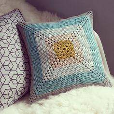 #ShareIG #crochet #handmade #naturadmc #lilweasel #phildar. Il n'y a plus qu'à espérer qu'il plaise à sa destinataire