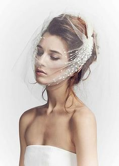 Luna Bea luxury, avant-garde  bridal accessories inspired by high fashion and fine art.