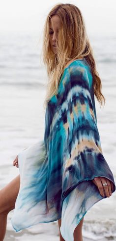 Tie-Dye Ponchos Fabulous on the beach or over your jeans / white pants / shorts. Shop the look at htt:// Gypsy Style, Bohemian Style, Boho Chic, Hippie Chic, Boho Fashion, Fashion Outfits, Womens Fashion, Petite Fashion, Curvy Fashion