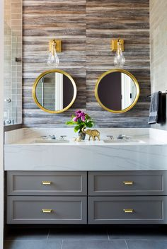 9 Easy Ways to Transform Your Personal Vanity Closet - Decorology Photo via Breeze Giannasio