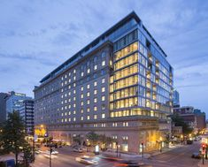Architecture Résidentielle, Commercial Architecture, Ranger, Top 10 Hotels, Peninsula Hotel, Mix Use Building, New Condo, Exterior Design, Images