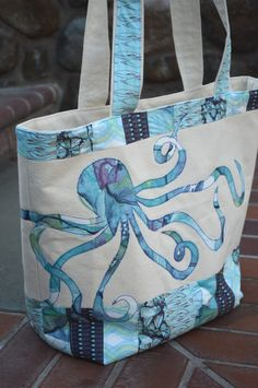 Love this #Octopus tote made with HeatnBond Fusible Fleece, HeatnBond Lite and Blend Fabrics #Mariposa collection.