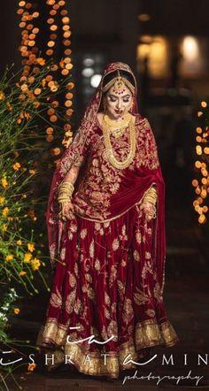 Indian Wedding Couple Photography, Indian Wedding Bride, Bridal Photography, Saree Wedding, Wedding Wear, Wedding Girl, Indian Weddings, Fashion Photography, Wedding Looks